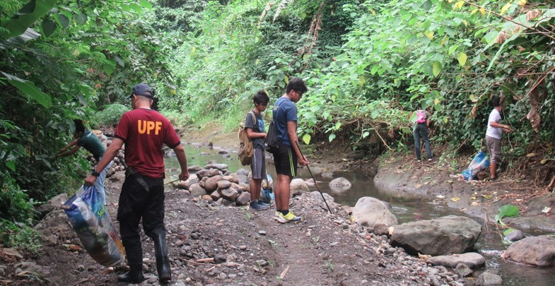 OVCCA leads UPLB in 'Molawin Creek' clean up