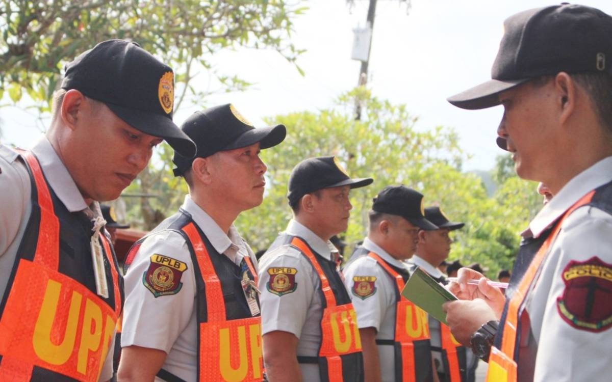 UPLB's security force undergoes gov't guard training